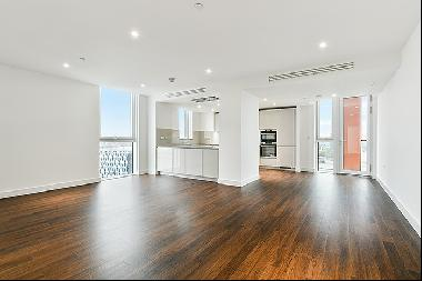 3 Bedroom flat to let in Vauxhall SW8