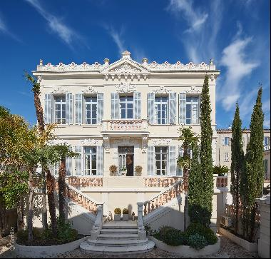 Elegant Belle Epoque villa for sale on the French Riviera with a swimming pool