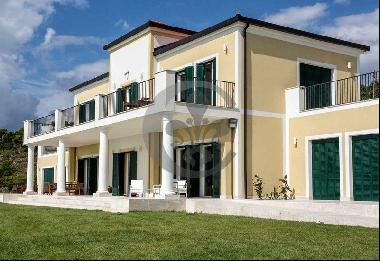 Ref. 5119 Exclusive villa with swimming pool and tennis court - Liguria