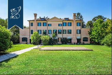Prestigious period estate of great architectural charm in the middle of Treviso