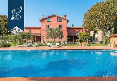 Luxury estate with pool for sale in Rome, on the Via Cassia