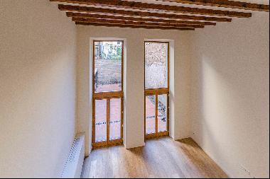 Duplex loft with private garden in the very heart of Barcelona, one block fr ...