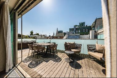 Beautiful penthouse apartment with 360 degree views of Vienna.