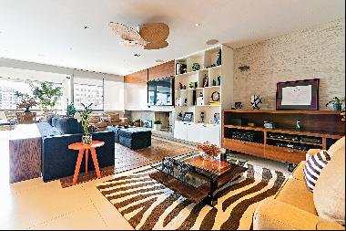 Large duplex apartment in a building with a sports club leisure