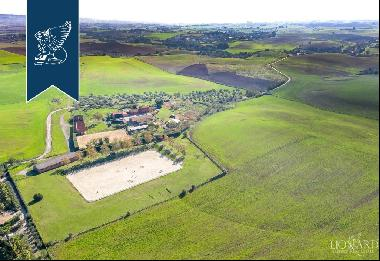 Charming estate with horse stables for sale in Rome
