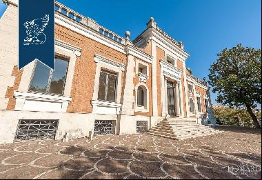 Luxurious historical villa with fine finishes for sale in Rome
