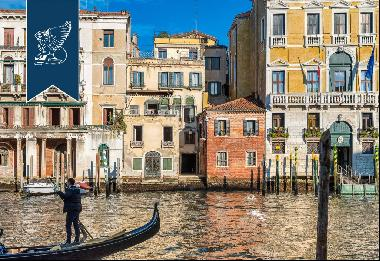 Prestigious historical property in the heart of Venice with wonderful views of the Grand C