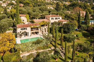 Beautiful Provencal villa for sale near Chateauneuf de Grasse with a guest house and wonde