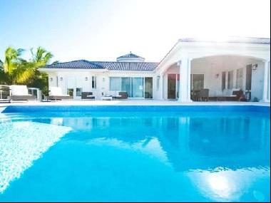 Single-Family in Providenciales, Turks and Caicos