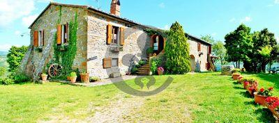 Ref. 5455 Farmhouse with pool and land in Val d'Orcia