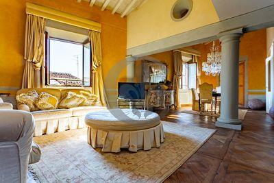 Ref. 5498 Apartment in classic style in the center of Florence