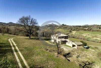 Ref. 5035 Farmhouse with annex in Montepulciano - Tuscany
