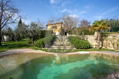 Ref. 4997 Marvelous semi detached farmhouse with little garden and lake - Florence