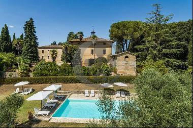 Ref. 6322 Wonderful castle with vinery and period residence near Siena
