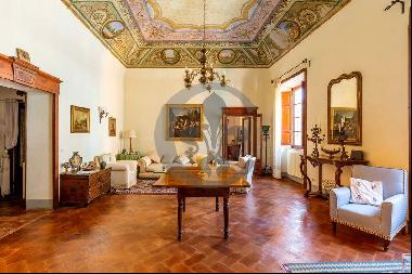 Ref. 5972 Luxury penthouse in the historic center of Orbetello