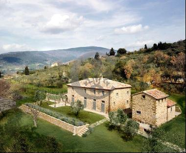 Ref. 5993 Luxury farmhouse with panoramic view in Cortona