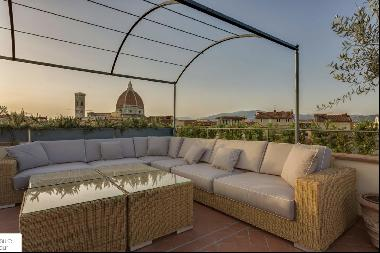 Fiesole, beautiful terraced apartment in the heart of Florence