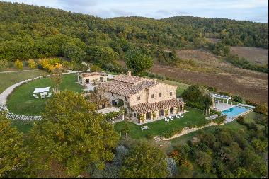 Villa Sunset, luxurious modern 6 bedroom villa in the south of Tuscany