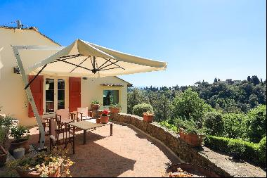 Historic Property 12kms from Florence