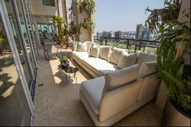 Spectacular and Luxurious Duplex Apartment in one of the best buildings in San I