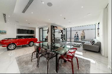 Recently renovated luxury apartment in DIFC