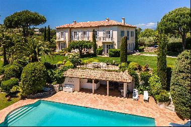 An exceptionally elegant Bastide for sale in Super Cannes with panoramic sea views onto Ca