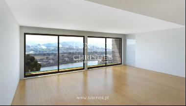 Penthouse with terrace and balcony, for sale, in Gondomar, Porto, Portugal