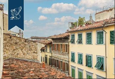 Ancient and finely renovated refined estate in Florence's city centre