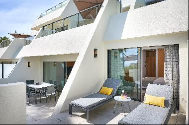 Luxurious 2-bedroom apartment for sale in a newly renovated boutique residence in Cannes C