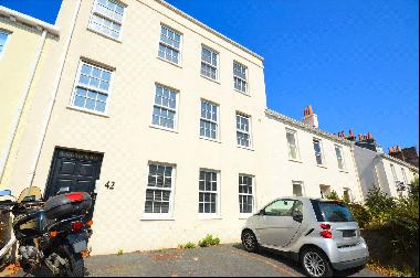 Flat 3, Cherbourg House, 42 Mount Row, St Peter Port, GY1 1NT