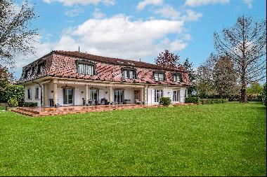 Manor house in  private position for sale