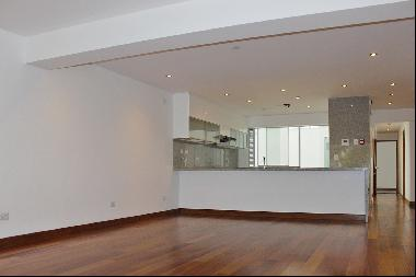 Great new apartment in one of the most beautiful streets of Miraflores half a bl