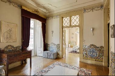Flat, 10 bedrooms, for Sale