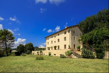 Luxurious villa on the hills of Lucca