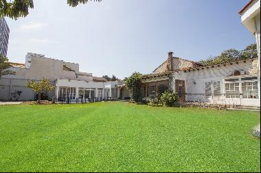 Excellent Property! Great corner house, San Isidro