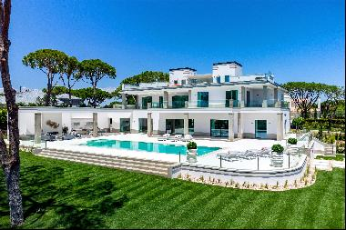 Spectacular brand new villa with amazing lake and golf course views.