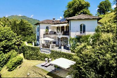 Stately villa with indoor swimming pool for sale in Vaglio
