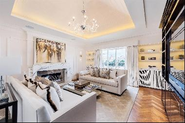 An immaculately presented penthouse apartment for sale in Belgravia, SW1.