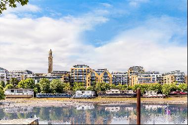 A stunning two double bedroom apartment in the highly sought after Kew Bridge development,