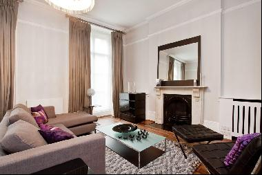 A three bedroom maisonette to let in Hyde Park W2