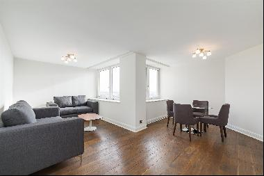 A fantastic 2 bedroom flat with parking and amazing views For Sale in Chelsea, SW3
