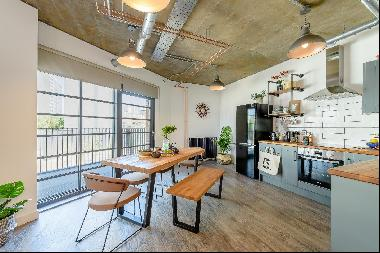 Warehouse-style two bedroom apartment to rent in a new development