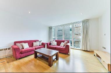 Spacious 2 bedroom apartment to rent in Wapping, E1W