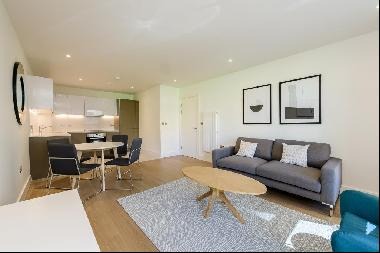 Bright and spacious two bedroom flat to rent in Wembley Park