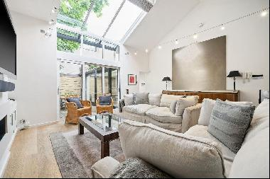 Two bedroom studio house for sale in South Kensington SW7