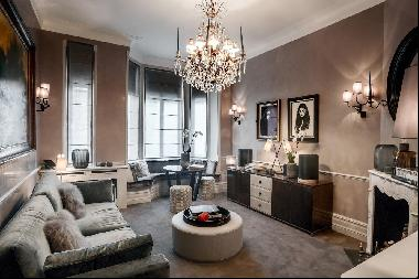 An interior designed one bedroom apartment for sale in Cadogan Square, SW1X