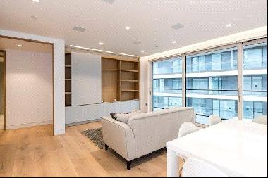 An impressive 3 bedroom apartment for sale in Tudor House, One Tower Bridge