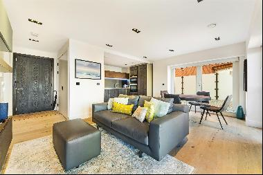 An outstanding one bedroom apartment in the Keybridge development, with balcony and large