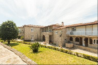 Farm, 9 bedrooms, for Sale