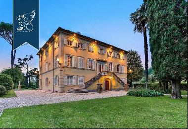 Luxury estate near some of the most popular towns on the Versilian coast